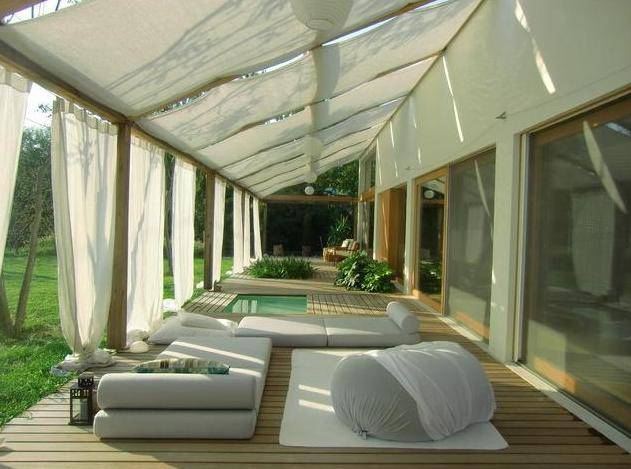 Pergola, terrasse bois, orné de toiles d'ombrages