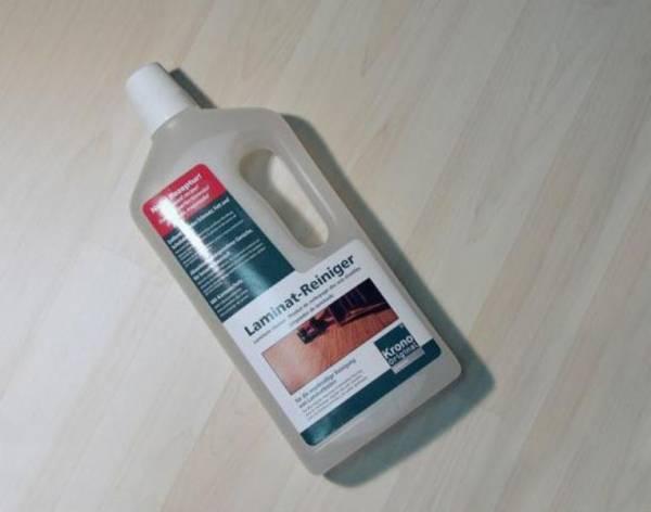 Nettoyant  Krono Original neutre destin� au nettoyage courant de vos stratifi�s.  Enl�ve efficacement et facilement salissures, traces de gras et de chaussures.