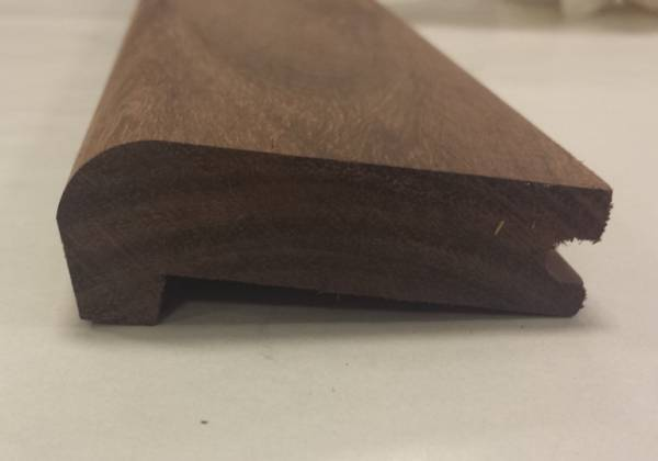 Nez de marche Palissandre massif brut , 100%BOIS soigne les finitions de vos parquets pour un r�sultat optimal.